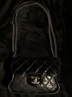 Chanel Two Tone Flap Bag for Sale in Krum, TX