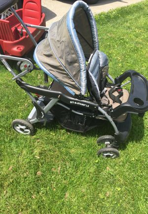 Sit and stand double stroller for Sale in Columbus, OH