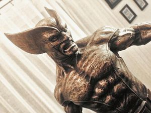 Sideshow collectibles wolverine cold cast for Sale in Laguna Hills, CA