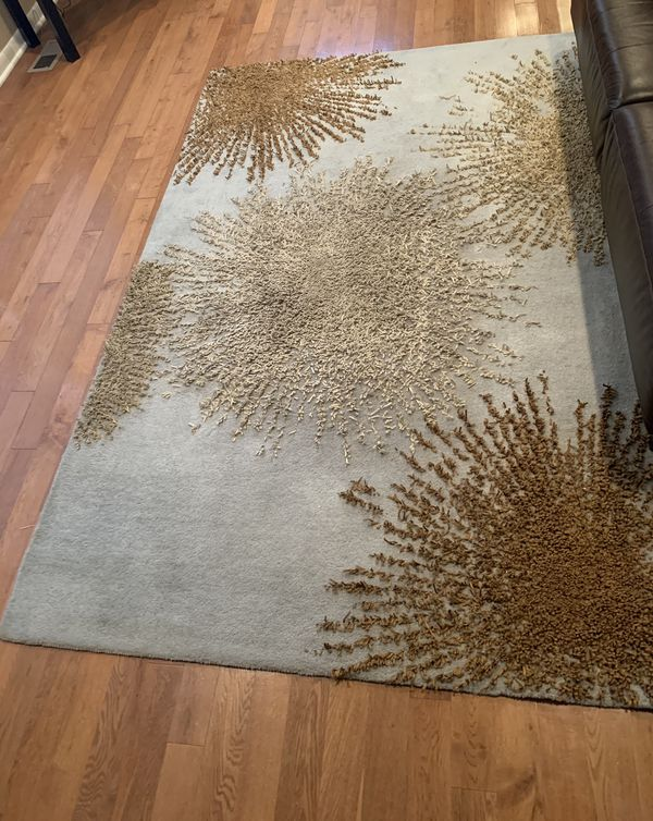 FREE 5'x7' Rug - backing needs to be replaced