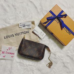 Louis Vuitton Mini Pochette for Sale in Orland Park, IL