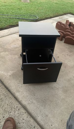 Black small file cabinet with wheels for Sale in Lodi, CA