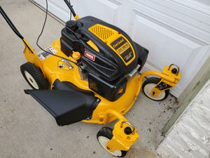 Cub cadet self proppeled lawnmower in xlnt cond for Sale in Kansas City, KS