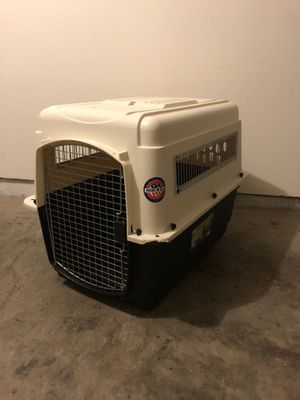 Medium size dog crate for Sale in North Bend, WA