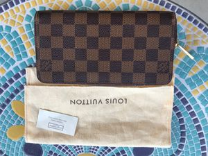 Authentic Louis Vuitton Zippy Wallet for Sale in San Gabriel, CA