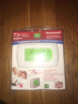 Honeywell thermostat brand new 7 day program for Sale in Newport News, VA