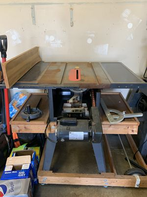 Craftsman table saw with extension table good condition for Sale in Columbus, OH