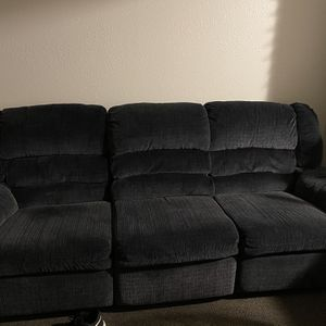 Recliner Couch for Sale in Tacoma, WA