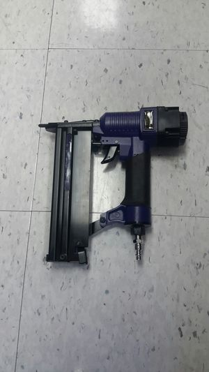 Central Pneumatic Brad nailer for Sale in Humble, TX