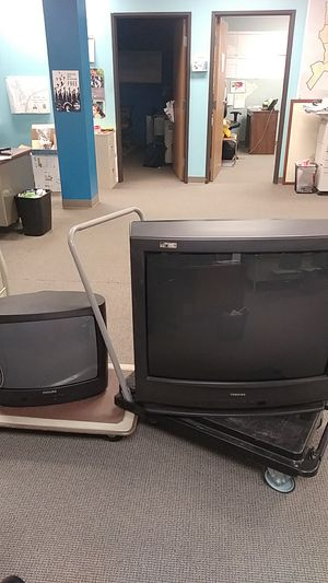 FREE 32' and 20' TVs- MUST GO TODAY for Sale in Detroit, MI