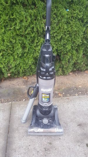 Eureka 12amp AirSpeed vacuum for Sale in Portland, OR