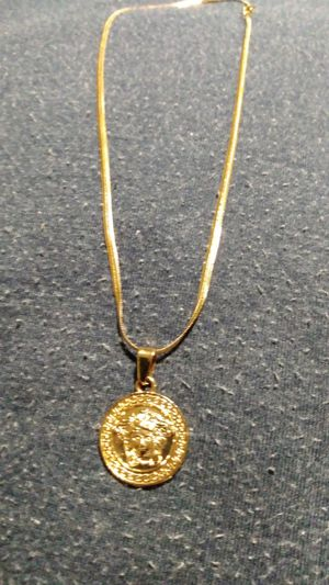 GOLD PLATED MEDUSA PENDANT AND CHAIN for Sale in San Antonio, TX