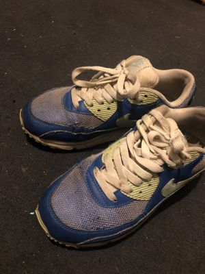 Nike air max size 6 girls for Sale in Long Beach, CA