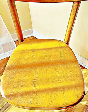 Wooden Shelby Williams Industries MCM chairs (4) with leather seat cushion. for Sale in North Haledon, NJ