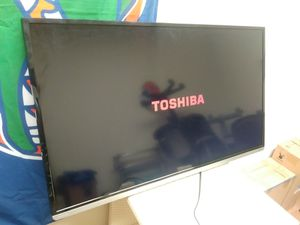 Toshiba 40 inch 1080p Smart LED TV for Sale in HALNDLE BCH, FL