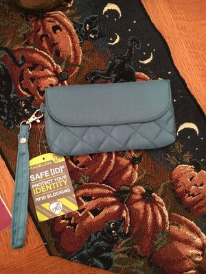 Travel-On brand new wristlet for Sale in Daly City, CA
