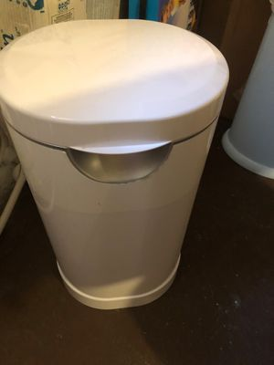 Baby diaper garbage can for Sale in Riverside, IL