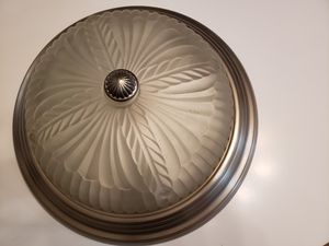 Traditional ceiling light fixture for Sale in Gig Harbor, WA