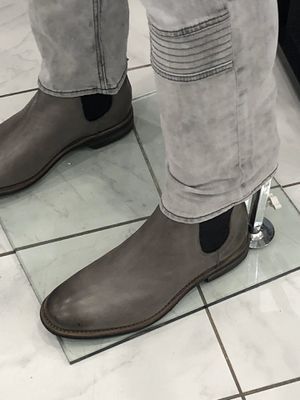 New. Men's size 9 Steve Madden Chelsea boots. for Sale in Dallas, TX