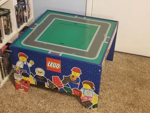 Lego 2011 play table wooden for Sale in Newark, OH