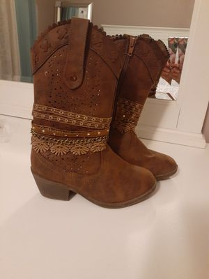 Size 13 girl boots for Sale in Goodyear, AZ