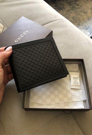 Men's black Gucci wallet. for Sale in Burbank, CA