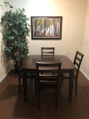 Five piece Kitchen table for Sale in Tampa, FL