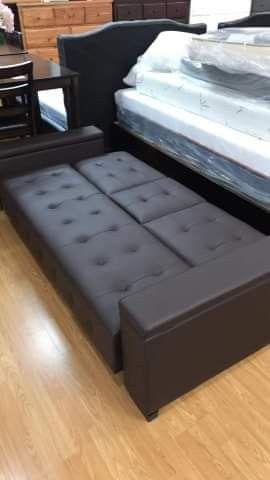 Futon sofa for Sale in La Mirada, CA