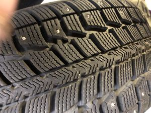 Snow tires 90% tread left 225/50 R17 94T for Sale in Medford, OR