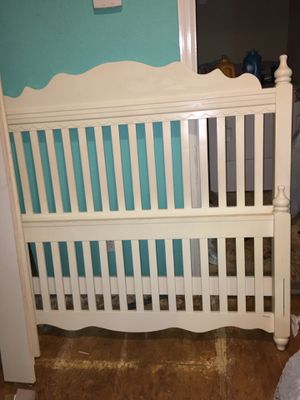 Bed frame 120$ obo Missouri City for Sale in Missouri City, TX