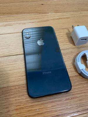 iPhone X unlocked to use any carrier w/case charger for Sale in Toms River, NJ