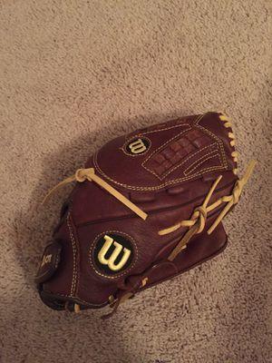 Wilson baseball glove for Sale in Murfreesboro, TN