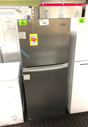 Brand New Magic Chef 10.1 cu. ft. Top Freezer Refrigerator in Platinum Steel 53 for Sale in Houston, TX