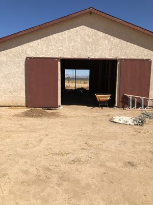 HORSE BARN DOORS WITH HARDWARE for Sale in Apple Valley, CA