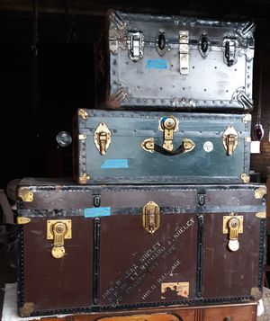 Vintage Steamer / Steemer Trunks for Sale in Chicago, IL
