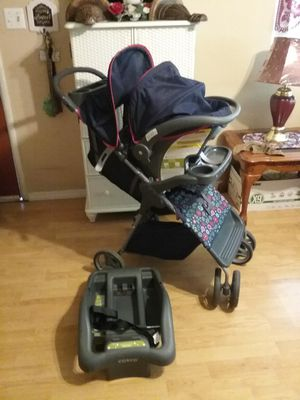 Blue floral Costco car seat stroller combo for Sale in Colton, CA