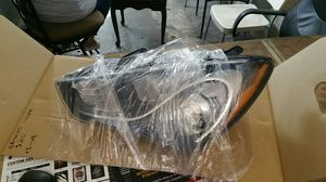 13-16 genesis left headlight for Sale in Calverton, MD