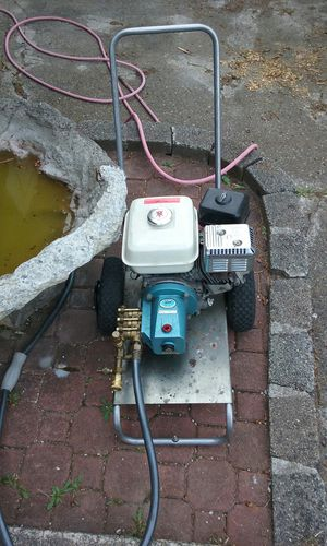 5 horse honda pressure washer with cat pump for Sale in Puyallup, WA
