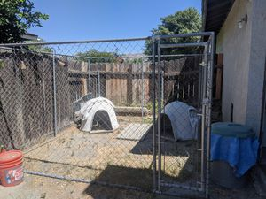 Dog kennel 10 X 10 for Sale in GLMN HOT SPGS, CA