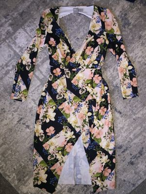 Floral plus size dress! Size 14us for Sale in Chicago, IL