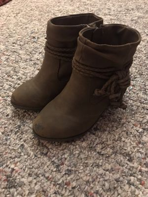 Size 9 toddler girl winter fall boots for Sale in Hurst, TX