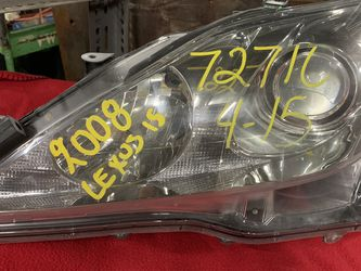 2008 Lexus Is Headlight for Sale in Chicago,  IL