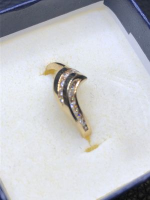 14k real yellow solid gold diamond ring size 6.5 for Sale in Santa Fe Springs, CA
