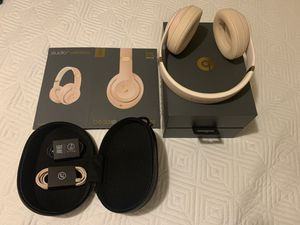 Beats Studio 3 wireless for Sale in Philadelphia, PA
