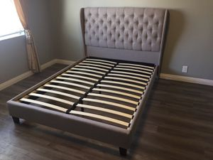 Queen Upholstered Bed Frame, Light Grey for Sale in Santa Fe Springs, CA