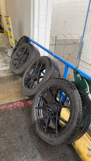 235/55/19 tires on 4 black Rotiform sport rim. It came off 2012 Audi Q5 for Sale in Tacoma, WA