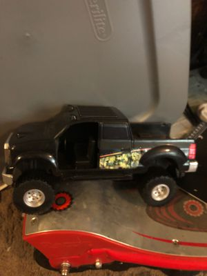 Kids truck, both side doors open camo. for Sale in Tampa, FL