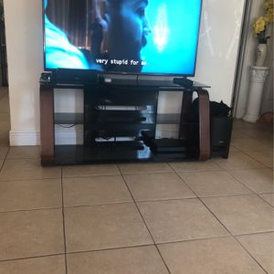 """Table For Tv 65"""" for Sale in West Palm Beach, FL"""