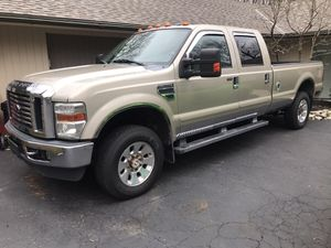 2009 FORD F350 SUPER DUTY LARIAT CREW CAB V10 for Sale in Columbus, OH