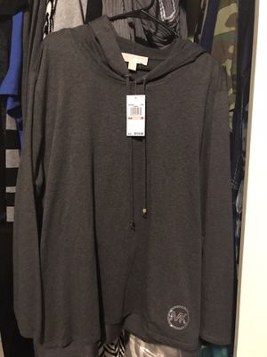 BRAND NEW LADIES MICHAEL KORS LONG SLEEVE TOP WITH TAGS for Sale in North Las Vegas, NV